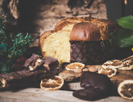Shop with us: More than Panettone, discover our selection of holiday cookies and Torrone